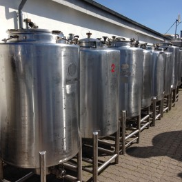 500 ltr. V1482 - 8 pcs. with various dimensions